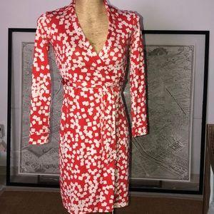 Diane von furstenberg silk wrap dress size 2
